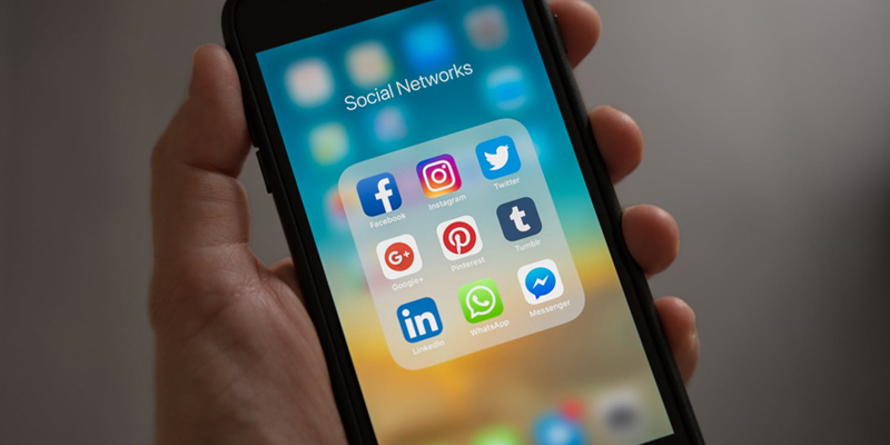 Use Social media while creating content